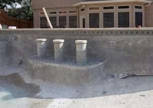 Construção de piscinas com bar molhado